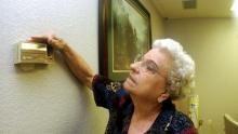 thermostat-elderly
