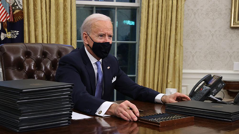 Image: TREASON: Biden declares WAR on America, threatens to remove governors who resist covid vaccine mandates