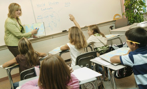 06d32_classroom-student-raises-hand21