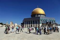 Visiting-the-Temple-Mount