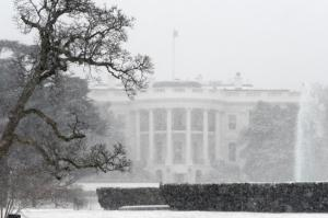 whitehouse in snowstorm