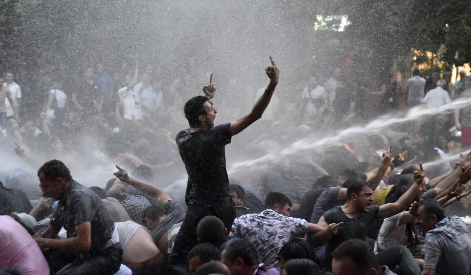 http://conservativepapers.com/wp-content/uploads/2015/06/2015-06-23t072643z1572487530gf10000136419rtrmadp3armenia-protest.jpg
