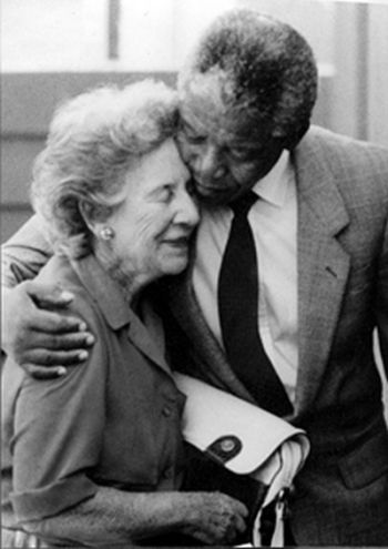Helen_Suzman_and_Nelson_Mandela